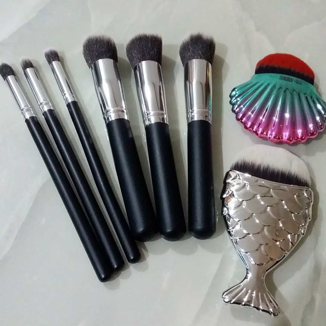 fa388370594c Clearance Sale! Foundation Make Up Brush (By Mail Only)