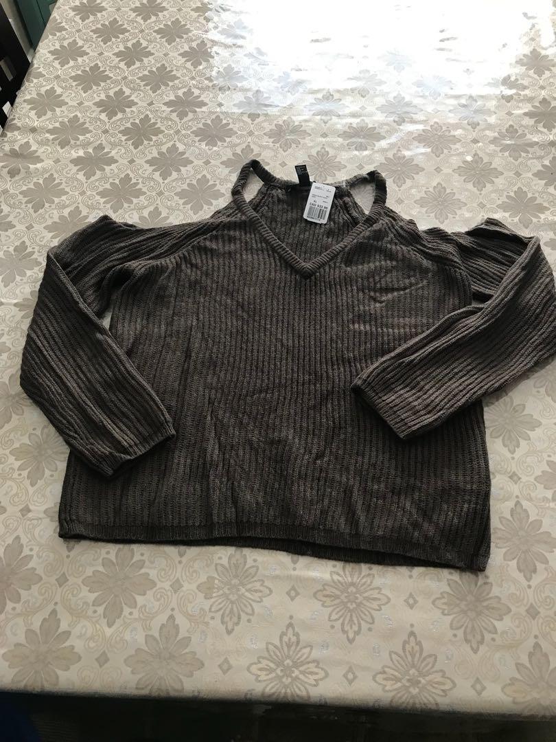 Knit off the shoulder / cold shoulder sweater BNWT size XL