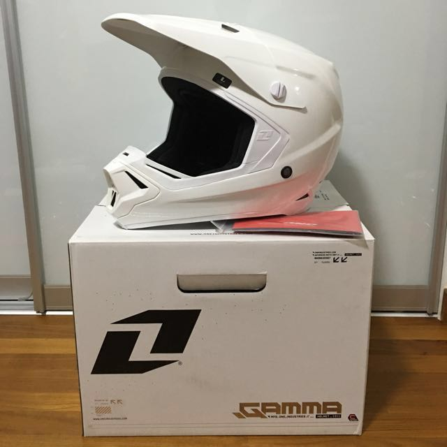 bd2d8cfcb83b43 One Industries Gamma Helmet with extra., Car Accessories on Carousell