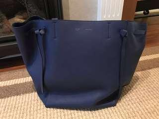[100% Authentic] Céline Cabas Phantom large - Electric Blue