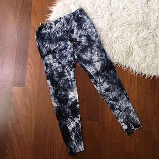 Tie dye leggings monochrome