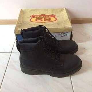 Route 66 6-inch black boot
