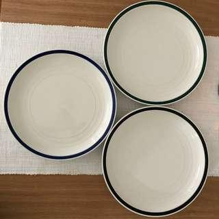 Approx. 22cm plates