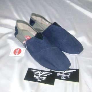 Sepatu Wakai Cowok Murah. Navy Abu