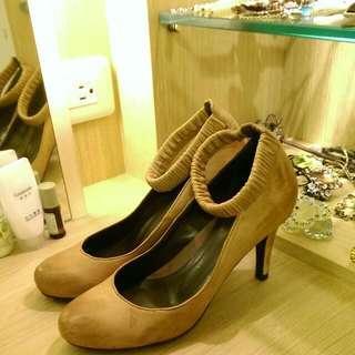 🚚 真皮英式復古風高跟鞋,大降價。
