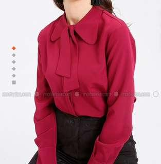 Light red point collar blouse