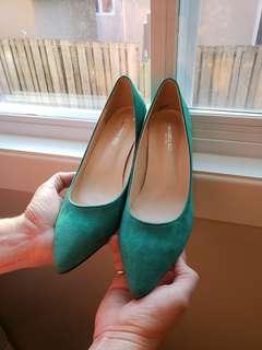 Emerald Green Pumps - Size 10