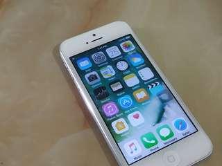 iPhone 5 / 32GB ( 4G-LTE )