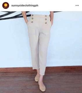 Beige trousers in medium waist 28-29