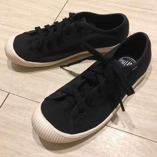 法國🇫🇷軍靴品牌 PALLA DIUM 帆布鞋