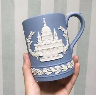 🚚 Wedgwood 年度聖誕杯 馬克杯 1972年 瑋緻活 Jasperware 浮雕玉石