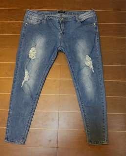Pants tattered size 36