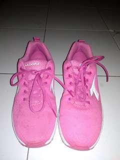 Running shoes #TIUBL