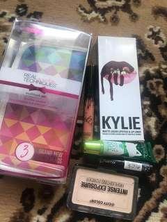 Case Makeup Real Techniques, kylie lipkit , lipgloss bbw, lipstick flormar, highlighter city color