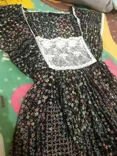 Mini flowery dress