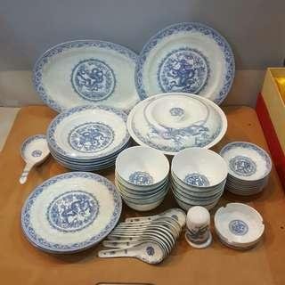 Exquisite Ceramic Ware for 10 persons dinning set