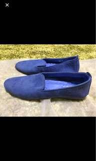 Josef Seibel size 39 猄皮鞋。 Bought at This group but 1/2 size smaller than size 39, so it fits 38-38.5 instead