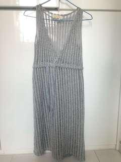 灰色直紋中長連身裙