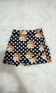 Celana pendek model rok
