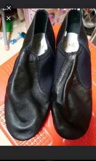 全新真皮跳舞鞋(6號半碼)