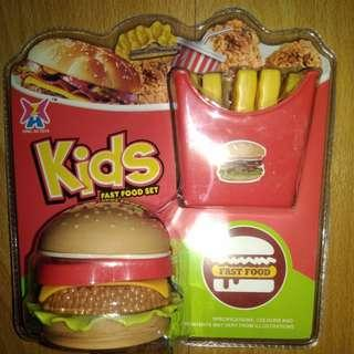 BRANDNEW HAMBURGER and FRENCH FRIES CUTLERY TOY SET