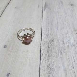 🚚 古著花型珍珠戒指