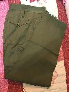 軍綠色長褲 Olive Green Trousers