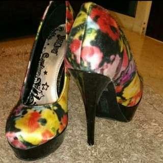 Splash Art Diva Platform Heels