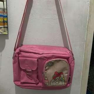 Tas selempang pink hello kitty