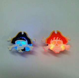 閃燈 扣針 萬勝節 Halloween 小飾物 海盜 骷髏骨頭 發光 玩具 小朋友 心口針 節日慶祝