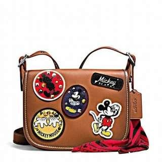 🚚 coach 米老鼠迪士尼mickey Disney 馬鞍包 徽章