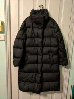 Womens Uniqlo volume collar down jacket