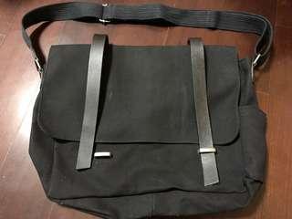 Agnes b 法國製 側背包 郵差包