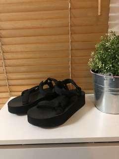 Vincci Platform Sandals