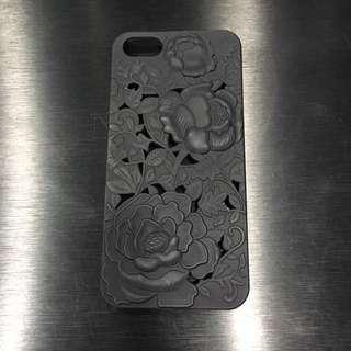 Iphone SE Black Embossed Rose Case Cover