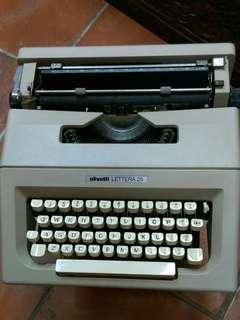 古董名牌打字機,操作正常,色帶自配