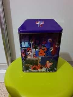 Anna Sui limited edition box - Dolly Girl Bea