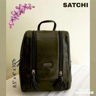 "Vintage SATCHI CLUB by SATCHI ""Full Year Warranty"" Black Leather Backpack with Zipper Compartments on all sides. Good & Clean Condition, the leather is still beautiful. Versatile, Office or Casual. Made to last very long. $75 offer! whatsapp 96337309."