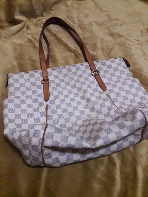 2c29f10675de Authentic Louis Vuitton LV Totally MM in damier azur