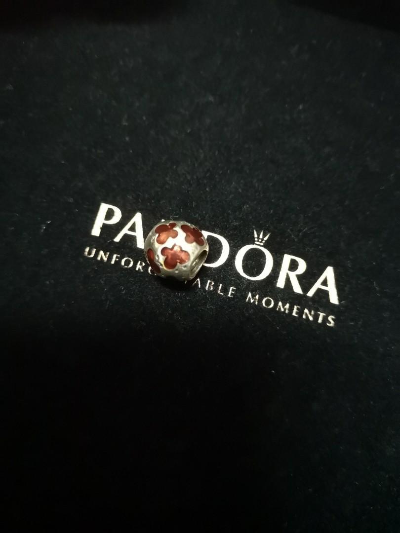 AUTHENTIC PANDORA BANGLE & CHARMS