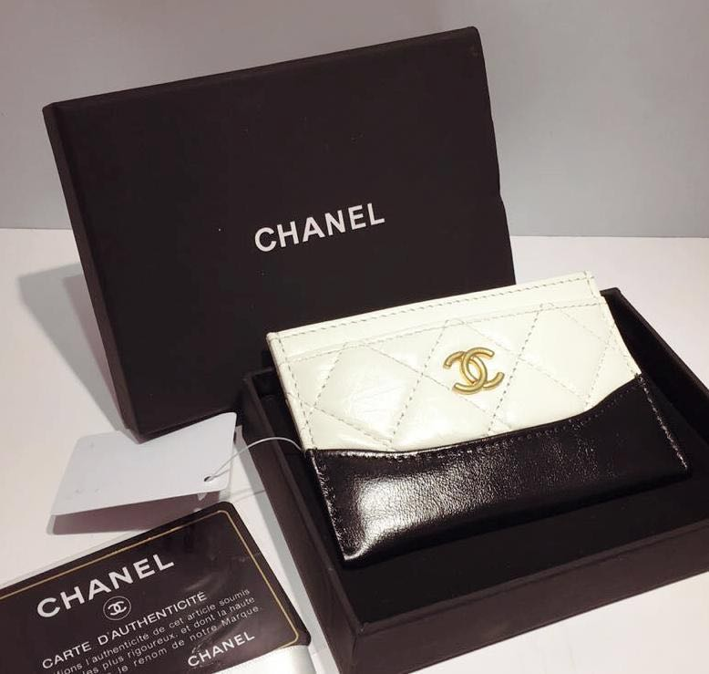 500aa58c873a Chanel Card Holder, Luxury, Bags & Wallets, Wallets on Carousell