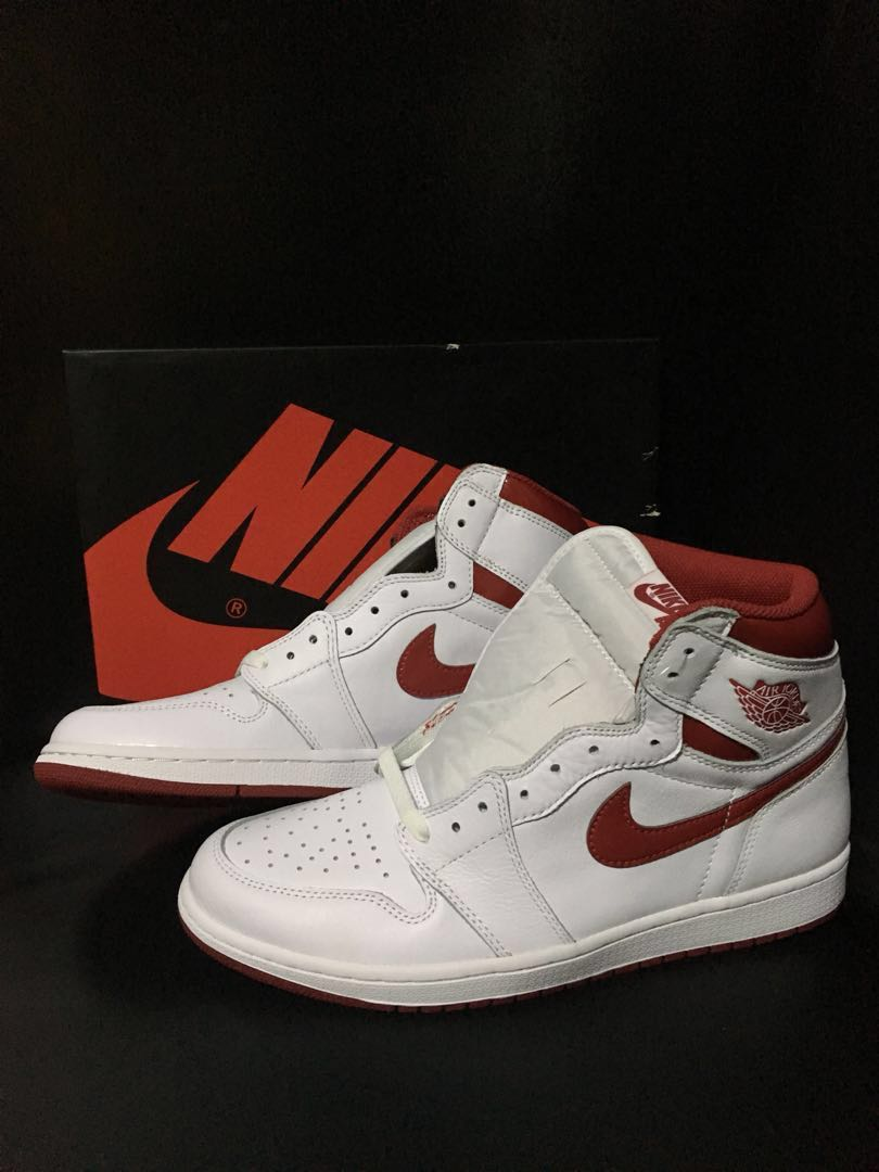 "online retailer f41a4 73c8d Nike Air Jordan 1 Retro High OG ""Metallic Red"" (2017), Men s Fashion ..."