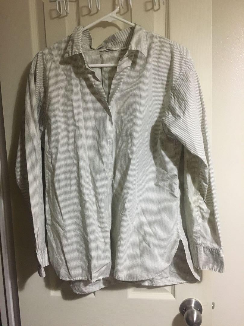 Uniqlo striped button down shirt Size M