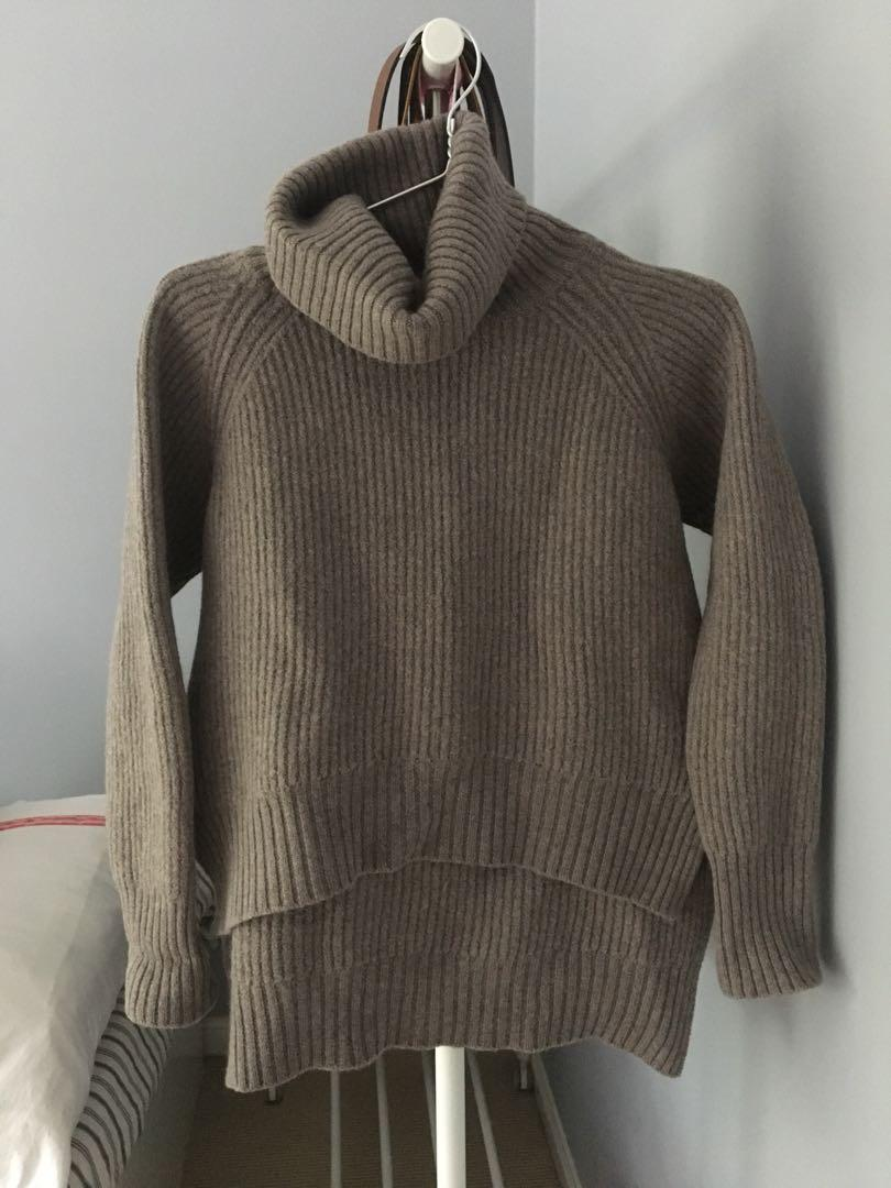"WILFRED FREE ""LIN"" Sweater XS . Originally $168"