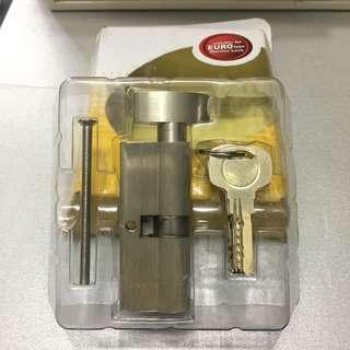 🈹🆕 全新鎖膽Yale 電腦匙5條,76mm葫蘆膽,沙鋼色