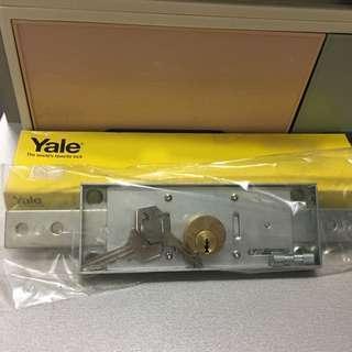 🈹🆕 全新閘鎖Yale 捲閘鎖,鎖匙2條