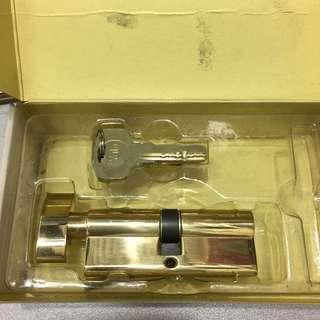 🈹🆕全新 鎖膽Yale 80mm葫蘆膽,電腦匙5條,金色