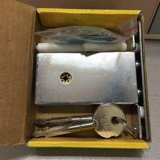 🈹🆕全新閘鎖Yale十字匙鐵閘鎖,60mm