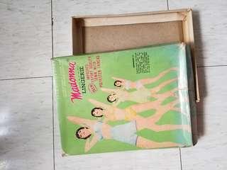 老纸盒2個