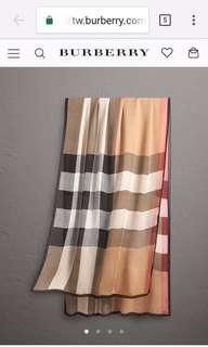 英國Burberry 經典色 長絲巾 附burberry原裝包裝盒 9新原價近2萬